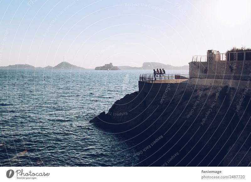 Pointe Cadière Mensch Umwelt Natur Landschaft Schönes Wetter Wellen Küste sitzen Marseille Corniche Meer Mittelmeer mediterran Abend Insel Inselkette