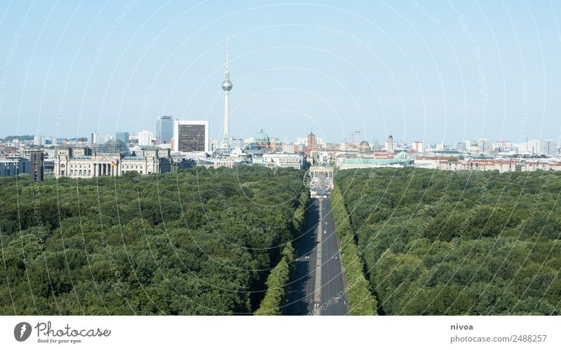 Skyline Berlin. Panorama mit Tiergarten Baum Haus Ferne Straße Architektur Umwelt Gebäude Tourismus Freiheit Ausflug Park Verkehr Hochhaus Fröhlichkeit