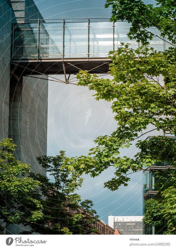 Gebäudebrücke in Berlin Tourismus Ausflug Abenteuer Ferne Freiheit Sightseeing Städtereise Bildung Arbeit & Erwerbstätigkeit Beruf Handel Werbebranche Börse