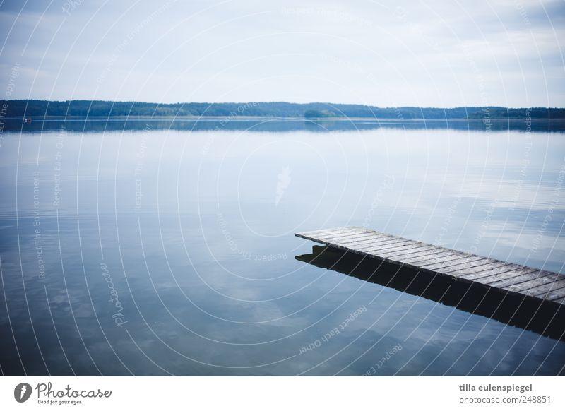 calm Natur Wasser blau Ferien & Urlaub & Reisen ruhig Einsamkeit Erholung kalt Landschaft See Zufriedenheit nass Horizont Idylle Steg flach