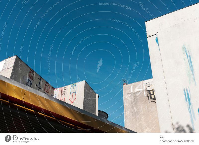 ecken und zeichen, berlin-kreuzberg Himmel Wolkenloser Himmel Schönes Wetter Berlin Kreuzberg Stadt Stadtzentrum Menschenleer Haus Bauwerk Gebäude Architektur