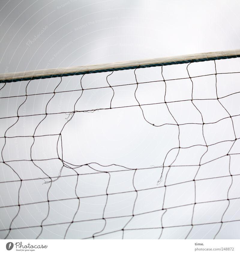 Hormonschub Himmel Wolken Sport Spielen Seil kaputt Netz gerissen Ballsport Volleyballnetz