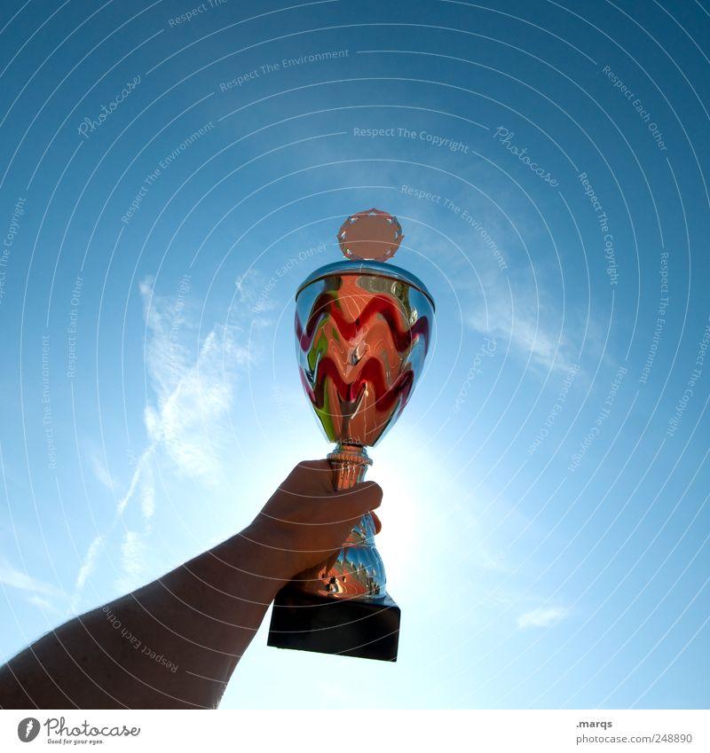 Champ Feste & Feiern Sport Sportveranstaltung Preisverleihung Pokal Erfolg Arme Himmel Kraft Ziel Applaus Arbeit & Erwerbstätigkeit Beruf Ehre erste Konkurrenz