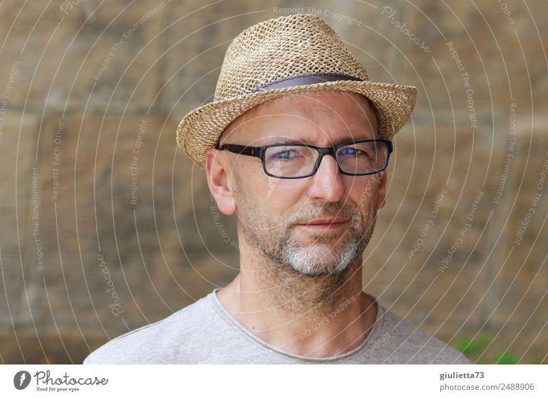 3 Sekunden Blickkontakt | UT Dresden maskulin Mann Erwachsene Männlicher Senior Leben 1 Mensch 45-60 Jahre 60 und älter Brille Hut Strohhut grauhaarig Bart