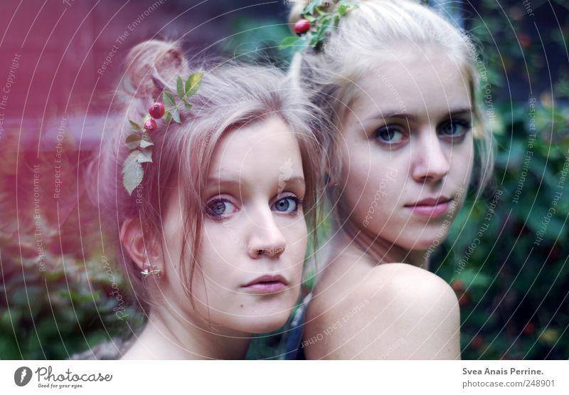 Wenn ich jetzt die Augen schlösse. feminin Junge Frau Jugendliche Haut Haare & Frisuren Gesicht 2 Mensch 18-30 Jahre Erwachsene Dutt Haarschmuck außergewöhnlich
