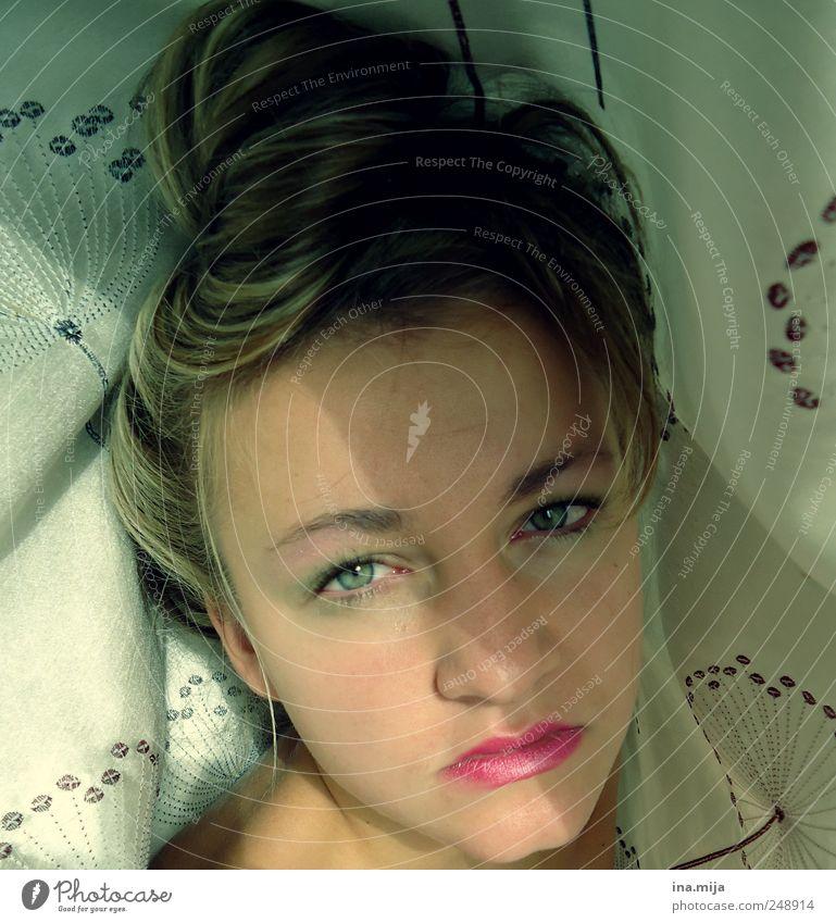 ... Frau Mensch Jugendliche schön Einsamkeit Gesicht feminin Haare & Frisuren Erwachsene Traurigkeit Stimmung blond rosa ästhetisch brünett 18-30 Jahre