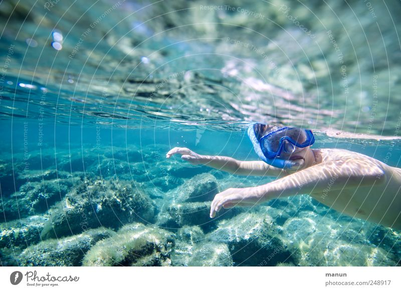 Blindfuchs Mensch Kind Natur Jugendliche Wasser Ferien & Urlaub & Reisen Meer Sommer Freude Erholung Leben Junge Kopf Kindheit Freizeit & Hobby Schwimmen & Baden