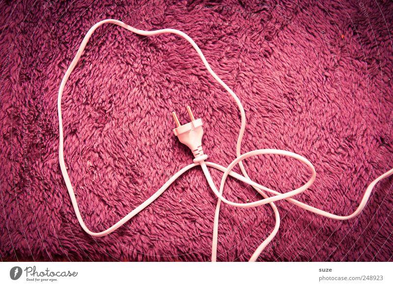Pink Power Kabel Technik & Technologie Fell kuschlig rosa weiß Elektrizität Stecker Energie Material Stoff sparsam Kabelsalat Farbfoto mehrfarbig Innenaufnahme