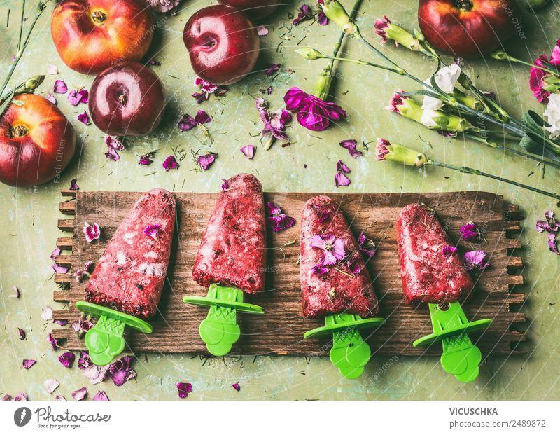 Hausgemachte Obsteis am Stiel Lebensmittel Frucht Dessert Ernährung Bioprodukte Stil Design Gesunde Ernährung Sommer Häusliches Leben Garten Tisch Küche
