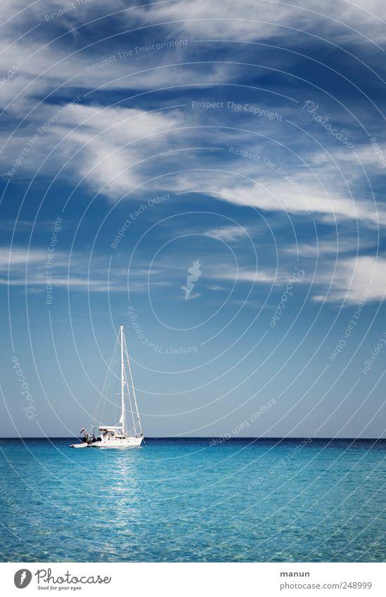 Mitfahrgelegenheit Himmel blau Wasser Ferien & Urlaub & Reisen Meer Sommer Freude Einsamkeit Ferne Erholung Landschaft authentisch Lifestyle Segeln Reichtum