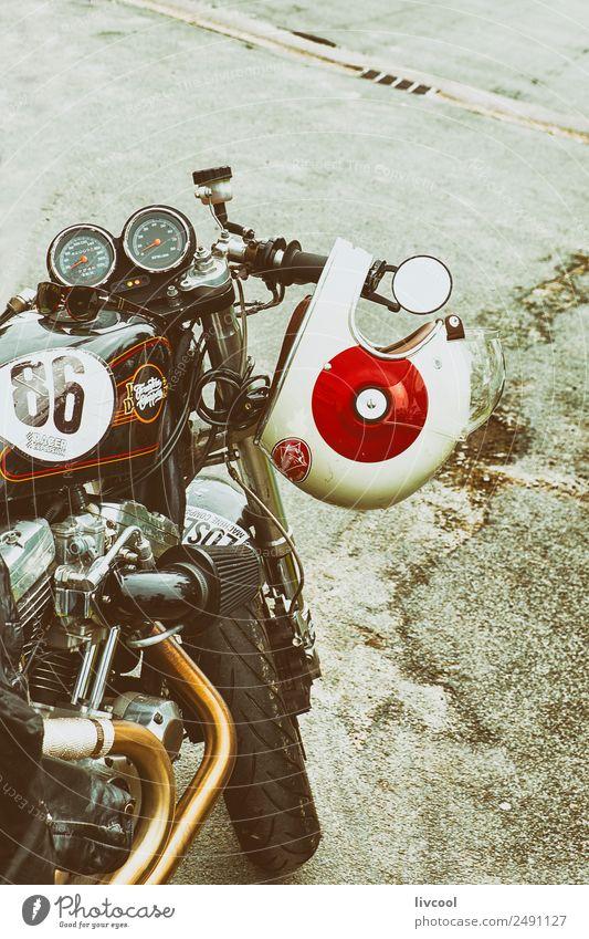 Oldtimer-Motorrad, Frankreich Lifestyle Ausstellung Park Verkehr Fahrzeug Kleinmotorrad Mode Leder Koffer alt genießen Coolness niedlich retro Freude