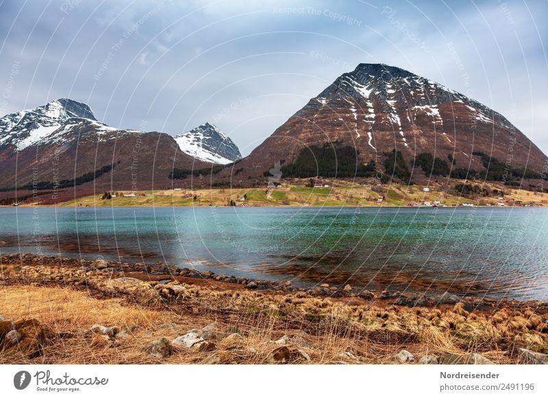 Im Norden Europas Himmel Ferien & Urlaub & Reisen Natur Wasser Landschaft Meer Wolken ruhig Ferne Berge u. Gebirge Wiese Küste Gras Tourismus Freiheit Felsen