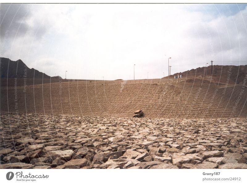 Trockenzeit Staumauer trocken Gras Scheich heiß Physik fahren grün Ödland Oman Arabien Werbefachmann Plakat Panorama (Aussicht) Ferien & Urlaub & Reisen