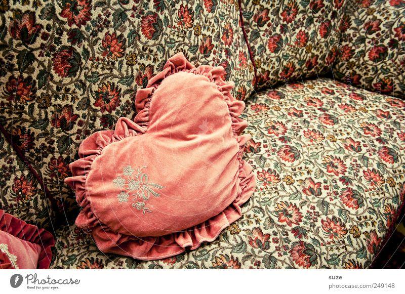 Kuschelkissen Stil Design Wohnung Dekoration & Verzierung Möbel Sofa Sammlerstück Herz alt retro rosa Vergangenheit Stickereien Kostbarkeit Kissen