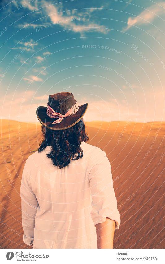 Frau Mensch Himmel Ferien & Urlaub & Reisen Sommer Landschaft Erotik Erholung Wolken Einsamkeit ruhig Freude Erwachsene Lifestyle Gefühle feminin