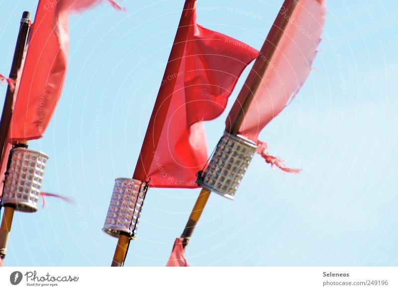 Fähnchen im Wind Ferien & Urlaub & Reisen Tourismus Ausflug Abenteuer Ferne Freiheit Sommer Sommerurlaub Himmel Wolkenloser Himmel Schönes Wetter Metall Fahne