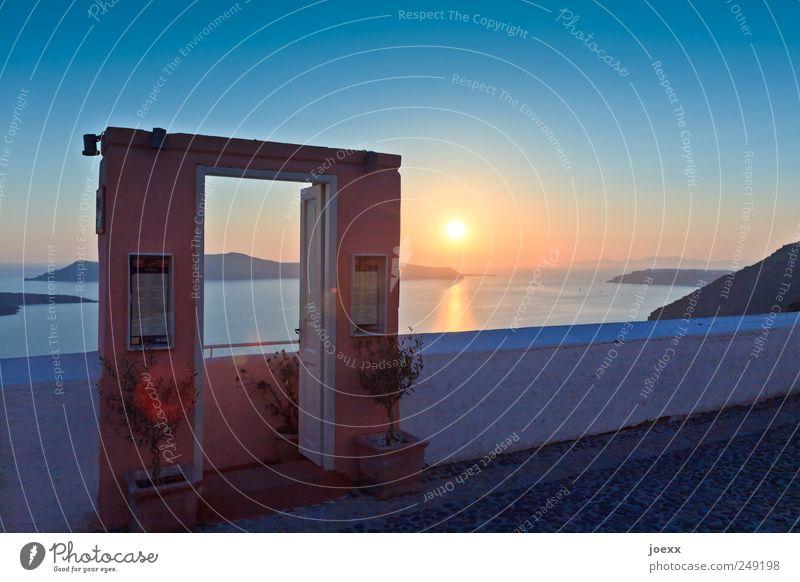 Willkommen zum Sonnenuntergang Himmel Wolkenloser Himmel Sonnenaufgang Sommer Schönes Wetter Meer Insel Mauer Wand Tür alt blau gelb rot schwarz weiß