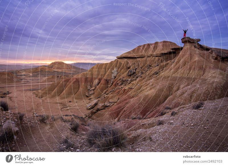 Wüstenlandschaft der Bardenas Real in Navarra Spanien schön Berge u. Gebirge Natur Landschaft Sand Dürre Park Hügel Felsen natürlich Reales wüst castildetierra