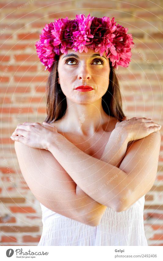 Frau Mensch schön weiß Blume Erotik Haus Gesicht Erwachsene natürlich Glück Mode Denken rosa elegant Haut