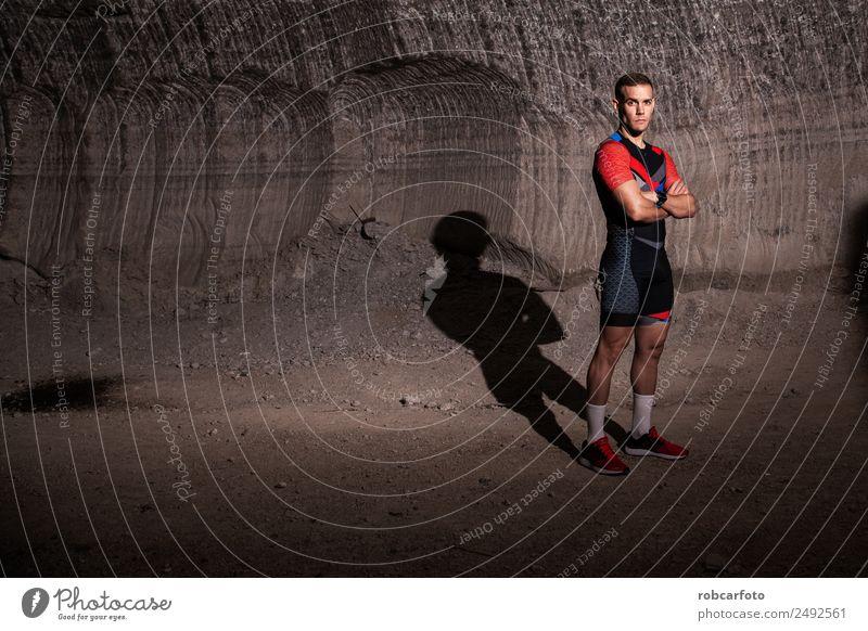 Mann im Triathlonanzug Lifestyle Insel Sport Joggen Mensch Erwachsene Natur Anzug beobachten Fitness klug Konkurrenz Läufer rennen Athlet Triathletin Training