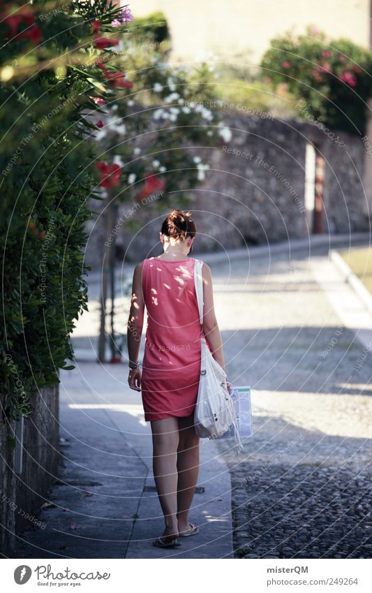morning sun. Frau Jugendliche schön Ferien & Urlaub & Reisen Freiheit rosa laufen ästhetisch Tourismus Spaziergang Italien Bürgersteig Junge Frau Tourist Gasse
