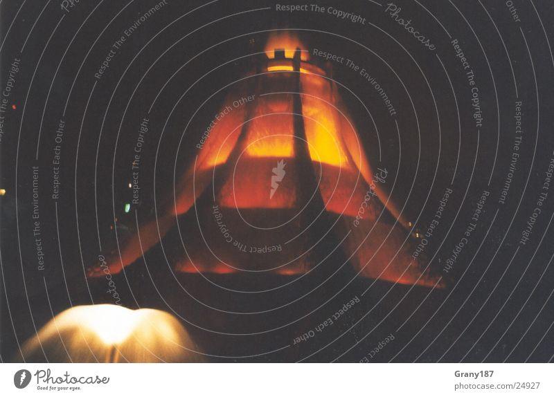 Vulkano Lichtspiele Wasser Ferien & Urlaub & Reisen Erfolg groß Werbung Brunnen Plakat Lava Werbefachmann Abu Dhabi