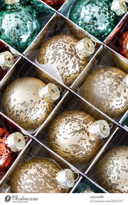 Weihnachtskugeln Ferien & Urlaub & Reisen Feste & Feiern Weihnachten & Advent Kugel hell gold grün rot Ball Dekoration & Verzierung Hintergrundbild Dezember