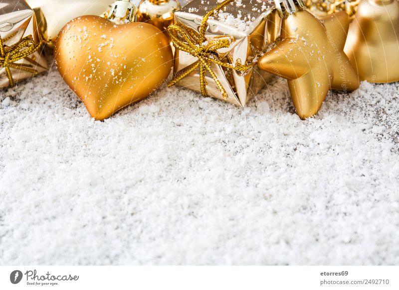 Goldene Weihnachtsornamente auf Schneehintergrund Ferien & Urlaub & Reisen Dekoration & Verzierung Party Feste & Feiern Weihnachten & Advent Ball Stern Baum