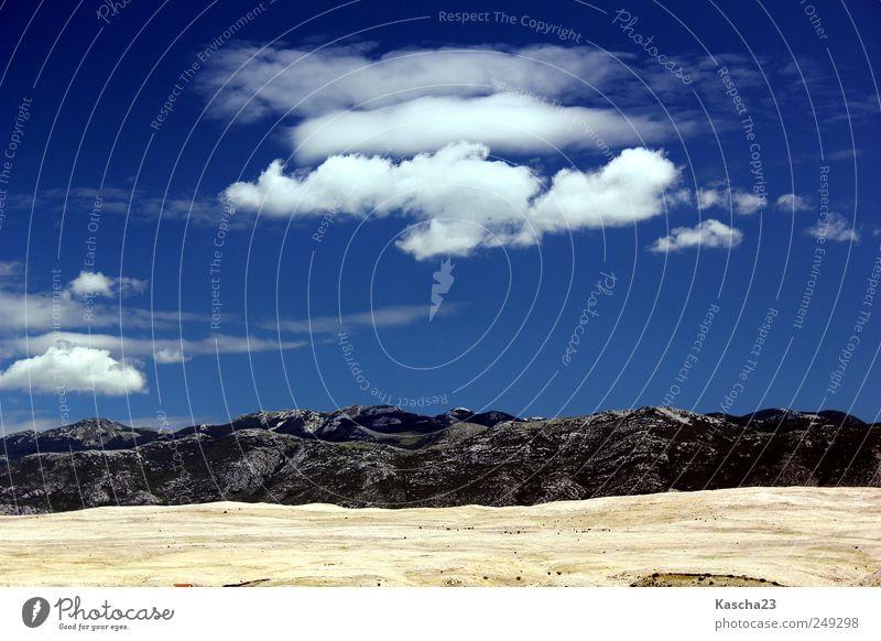 Schönwetter-Wolken Himmel weiß blau Sommer Wolken schwarz Erholung Freiheit Berge u. Gebirge grau Stein träumen wandern Felsen Insel Hügel