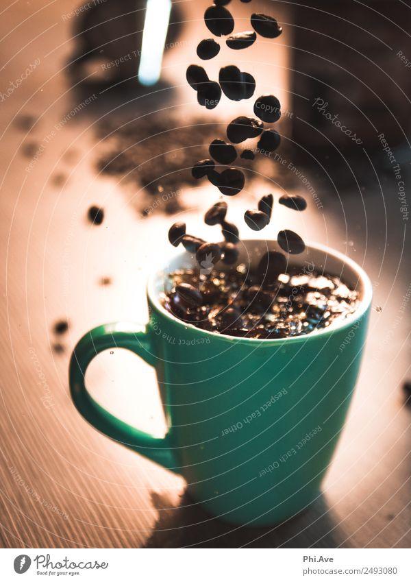 Kaffeesplash Ernährung Frühstück Kaffeetrinken Italienische Küche Getränk Heißgetränk Latte Macchiato Kunstwerk fallen heiß Geschwindigkeit Glück authentisch