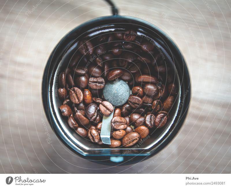 Kaffemühle Ernährung Frühstück Mittagessen Kaffeetrinken Getränk Heißgetränk Latte Macchiato Espresso Mühle Kaffeemühle machen authentisch schön blau braun