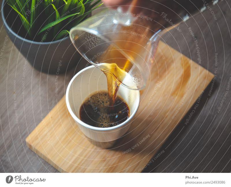 Kaffee einschänken Lebensmittel Ernährung Frühstück Mittagessen Kaffeetrinken Italienische Küche Erfrischungsgetränk Heißgetränk Latte Macchiato authentisch
