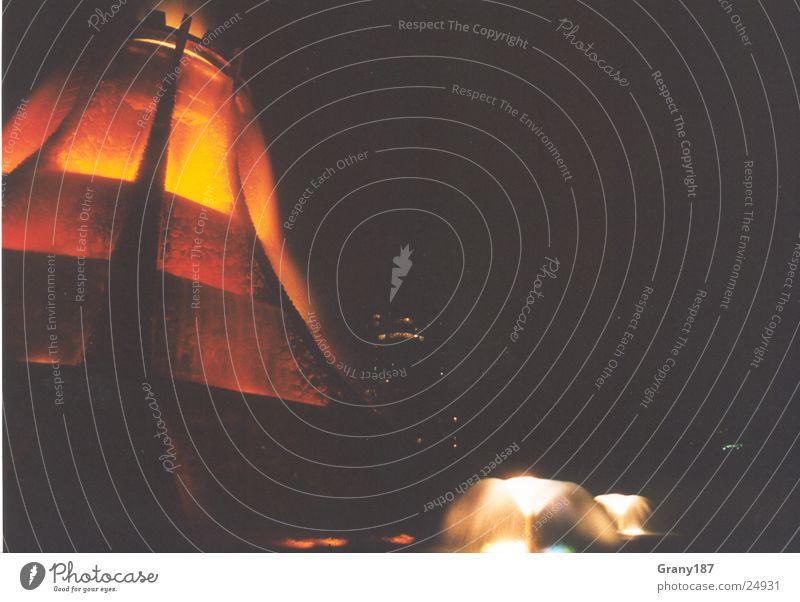 Vulkano Abu Dhabi heiß Stil Ferien & Urlaub & Reisen Nacht Licht Werbefachmann Plakat Erfolg vulkano Brand Werbung werbemittel plakatwerbung fernsehn groß
