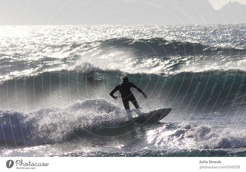 zurück Mensch Mann Jugendliche blau Wasser Ferien & Urlaub & Reisen weiß grün Meer schwarz Erwachsene Wellen glänzend 18-30 Jahre Schönes Wetter sportlich