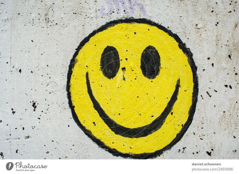 :-) Kunst Zeichen Graffiti Smiley Freundlichkeit Fröhlichkeit gelb grau Gefühle Freude Glück Farbfoto Textfreiraum links