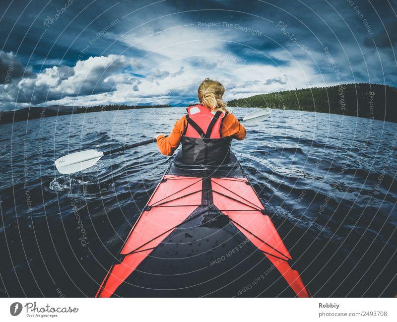 Volle Fahrt Mensch Ferien & Urlaub & Reisen Jugendliche Junge Frau Wege & Pfade Sport feminin Tourismus See Wasserfahrzeug Freizeit & Hobby Horizont Abenteuer