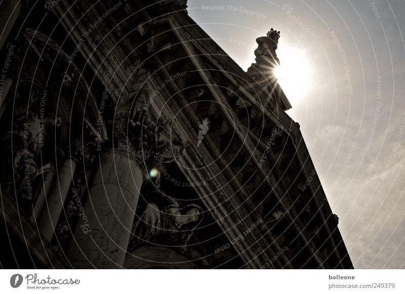 Götterdämmerung Himmel alt Sonne Sommer Ferien & Urlaub & Reisen Wolken dunkel Architektur Gebäude Kunst braun Fassade Kirche Engel Macht