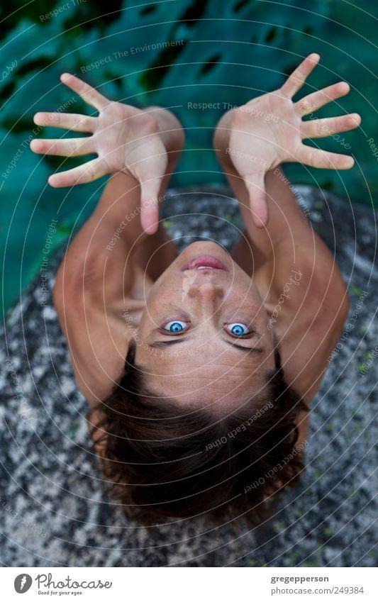 Mensch Natur Jugendliche Hand Freude ruhig Erwachsene Auge Erholung Leben feminin Gesundheit Zufriedenheit Abenteuer Finger 18-30 Jahre