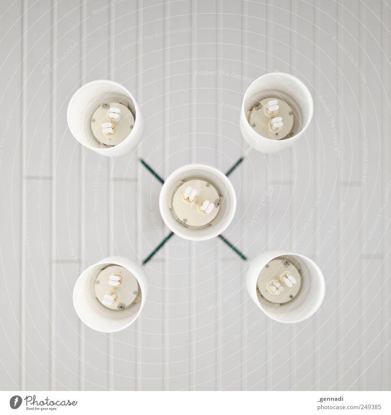 x weiß kalt Lampe hell Ordnung Design Energiewirtschaft trist Kreis hängen sparen Symmetrie Decke Formation gleich sparsam