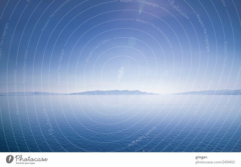 Einladung zum Blaumachen Natur Wasser blau Ferien & Urlaub & Reisen Meer ruhig Ferne Freiheit Umwelt Berge u. Gebirge Landschaft Gefühle Küste Luft Stimmung