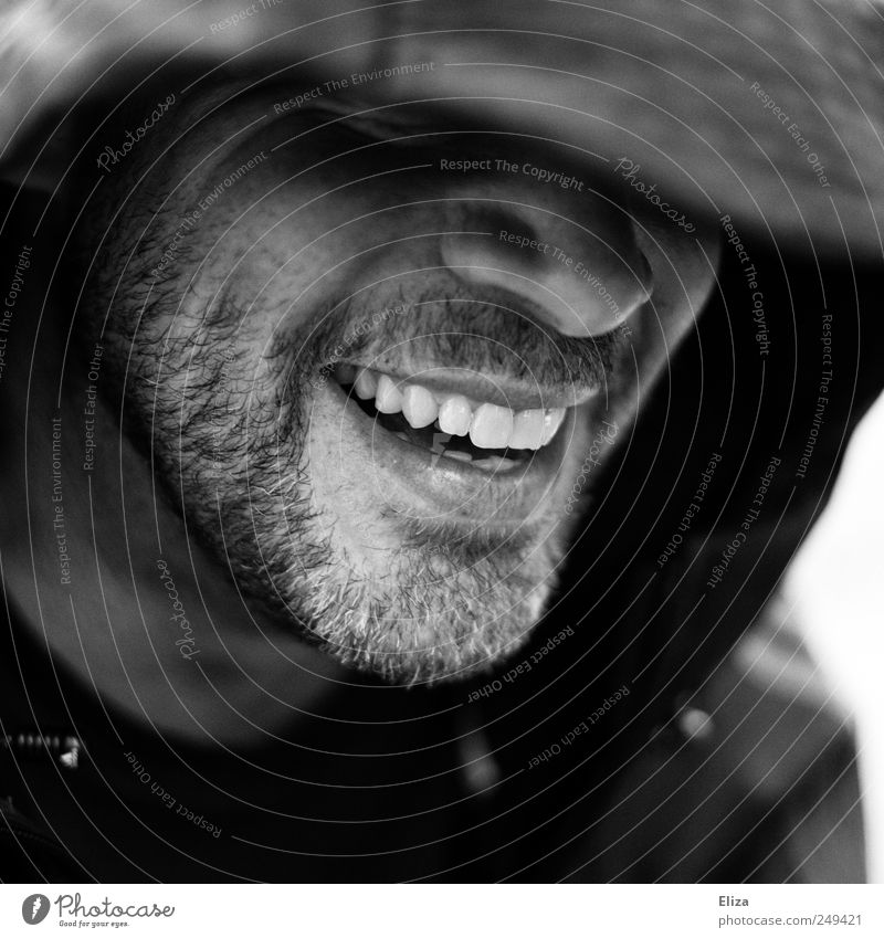 Keep Smiling Mensch maskulin Mund Zähne Bart 1 Freude Glück Fröhlichkeit Lebensfreude Begeisterung Euphorie Optimismus sympathisch Kapuze schön attraktiv