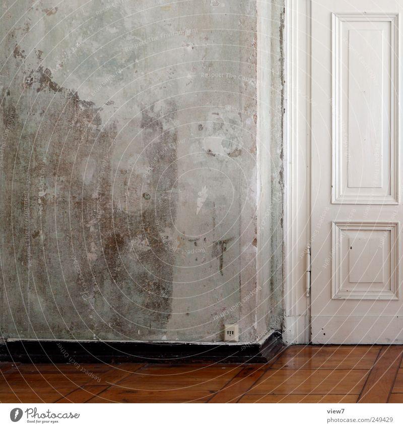 Altbau Renovieren Umzug (Wohnungswechsel) einrichten Möbel Raum Wohnzimmer Mauer Wand Tür Stein Beton Holz Linie Streifen alt authentisch gut einzigartig