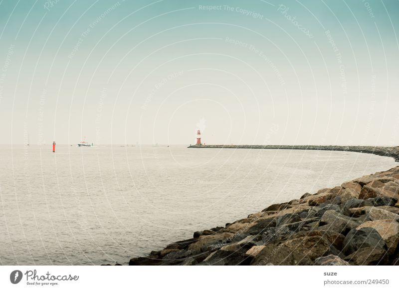 Leuchte Ferne Freiheit Meer Umwelt Natur Wasser Himmel Wolkenloser Himmel Klima Wetter Küste Ostsee Leuchtturm Stein Wasseroberfläche Rostock
