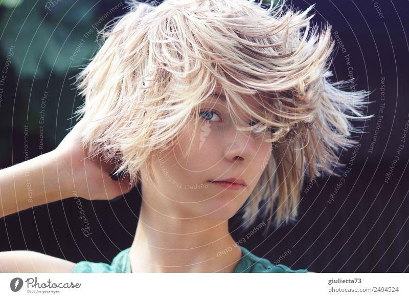 Kurioses | Verrückter Sommer-Haartrend IV feminin Junge Frau Jugendliche Leben Haare & Frisuren 1 Mensch 8-13 Jahre Kind Kindheit 13-18 Jahre blond kurzhaarig