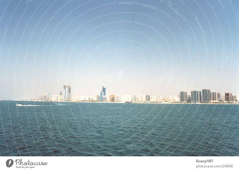 Skyline Abu Dhabi Wasser Stadt Ferien & Urlaub & Reisen Erfolg groß Hochhaus Plakat Textfreiraum Werbefachmann