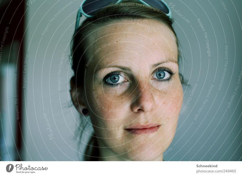 Diese blauen Augen.... Frau Mensch Jugendliche schön Gesicht Leben feminin Kopf Haare & Frisuren Erwachsene Mund Haut Nase natürlich