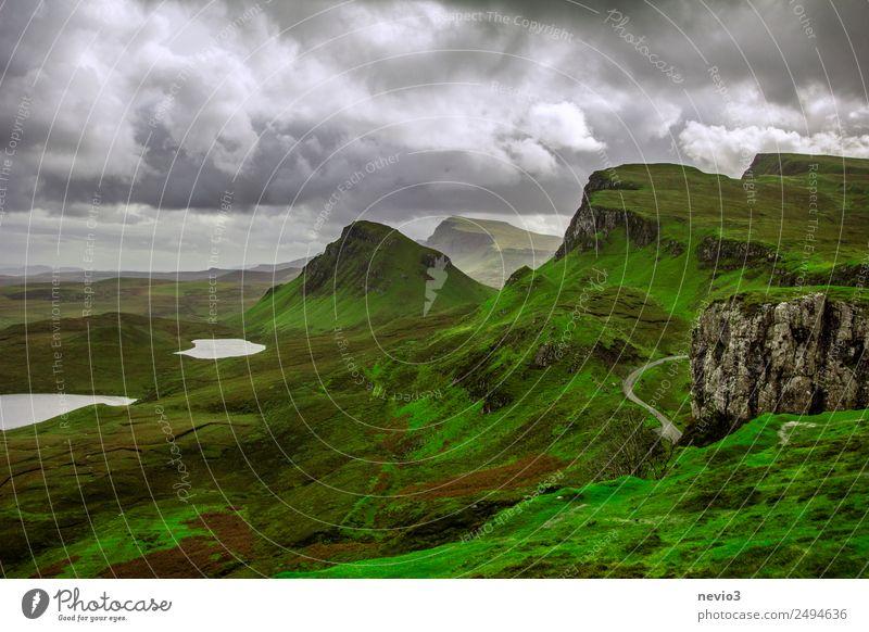 The Quiraing auf der Isle of Skye in Schottland schön grün Landschaft Wolken Berge u. Gebirge Umwelt Herbst Wiese Tourismus See Felsen Regen Aussicht Insel