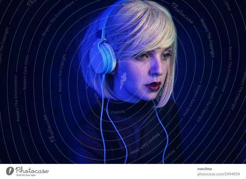 Futuristisches Porträt eines Androiden elegant Stil Design Freizeit & Hobby Nachtleben Veranstaltung Musik Diskjockey Technik & Technologie