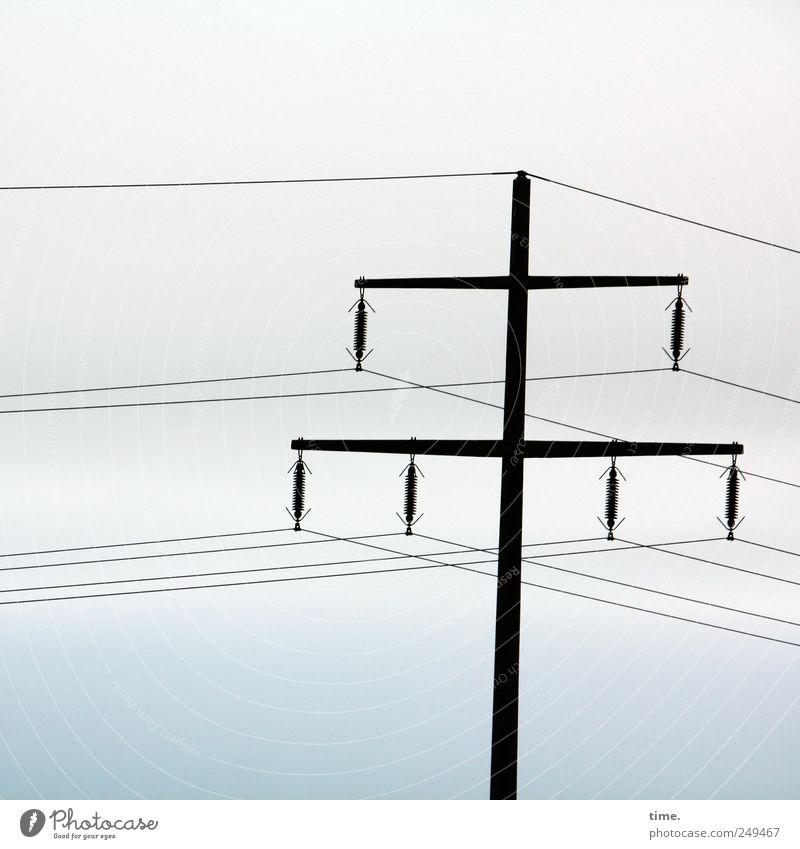 Es liegt was in der Luft Himmel Zusammensein elegant ästhetisch Energiewirtschaft Elektrizität Technik & Technologie Unendlichkeit Strommast Leitung parallel Hochspannungsleitung Isolatoren Stromkreis