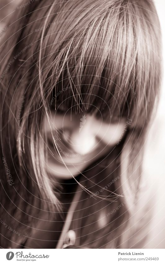Don´t be shy Lifestyle elegant Stil schön Haare & Frisuren Mensch feminin Kopf Gesicht 1 18-30 Jahre Jugendliche Erwachsene schwarzhaarig langhaarig frech